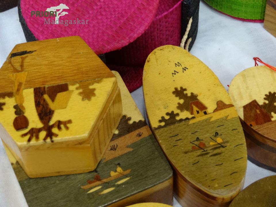 Holzdosen-Madagaskar-Souvenirs-Handwerk-PRIORI-Reisen