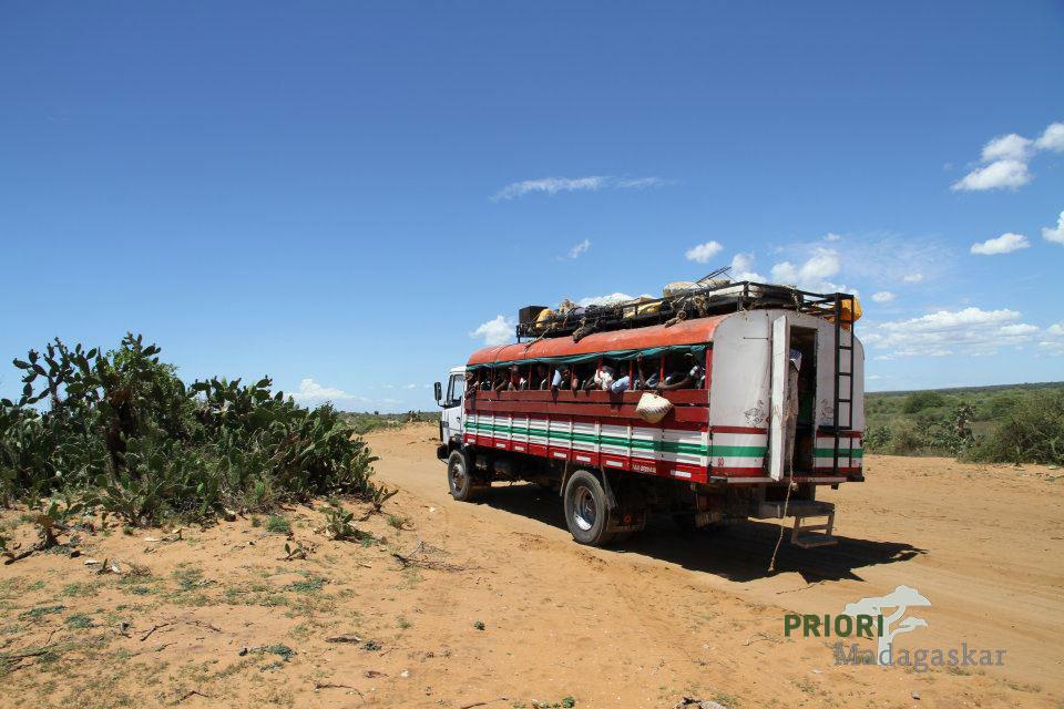 Öffentlicher Sammelbus - Taxi-Brousse - in Madagaskar