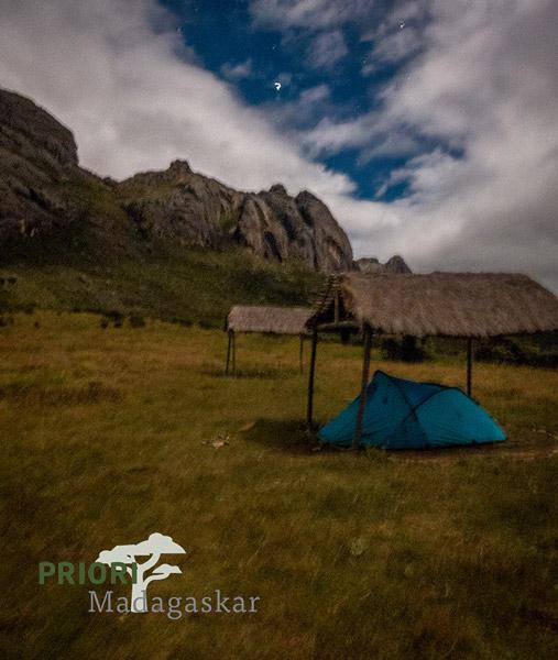 Zelten im Base Camp Andtrinitra Madagaskar