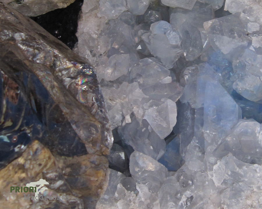 Edelsteine Steine Madagaskar PRIORI Reisen