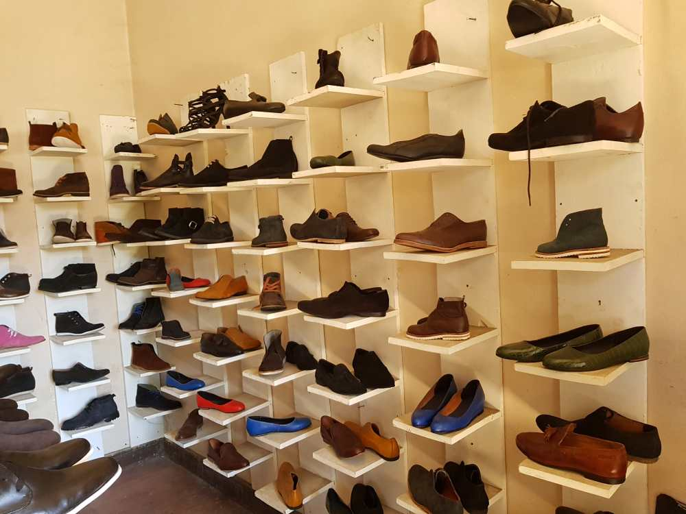 Schuhmanufaktur in Madagaskar: Fertige Schuhe aus dem Schuhatelier