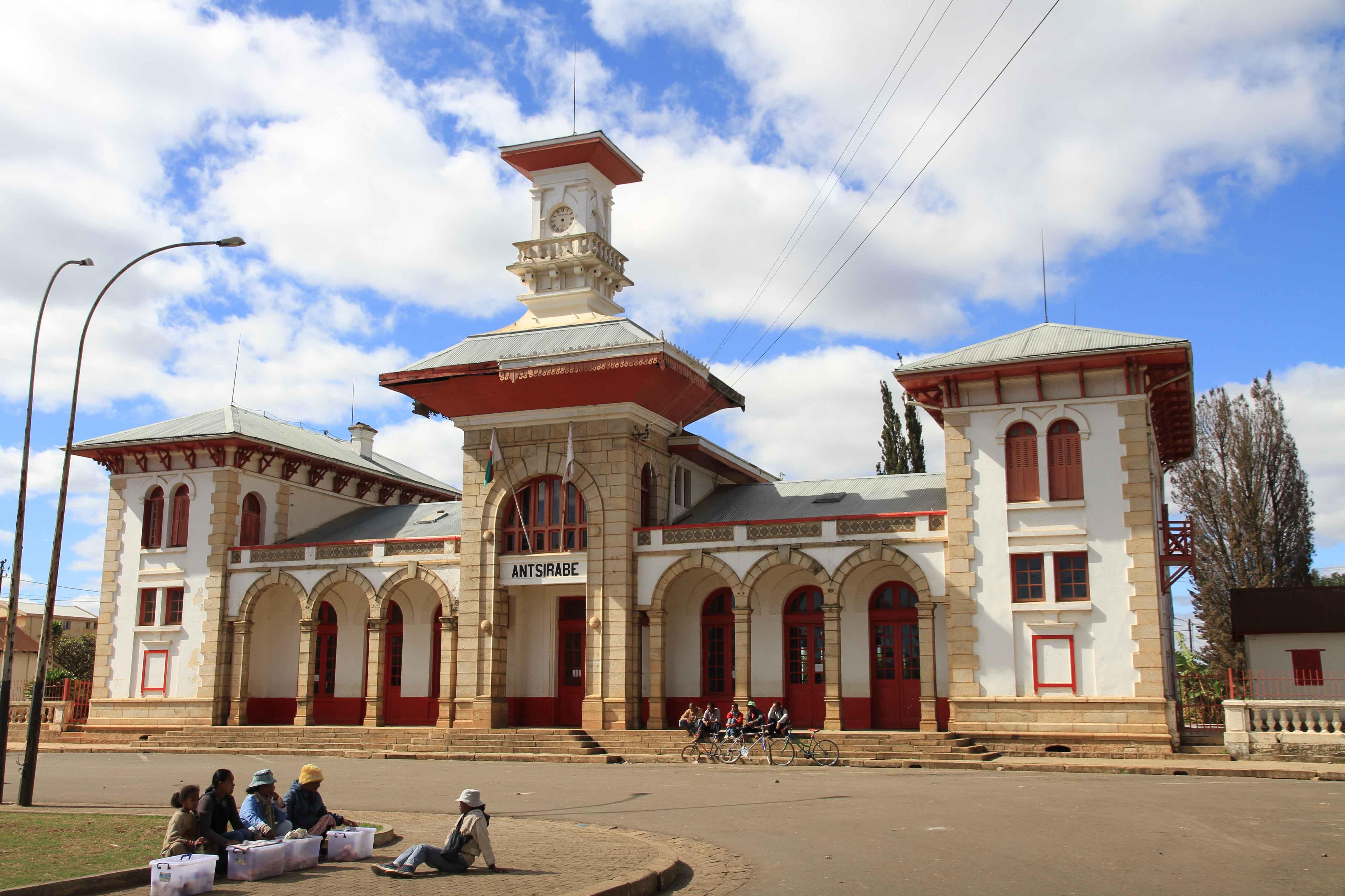 Bahnhof Antsirabe Madagaskar / Gare Antsirabe Madagascar / Railway station Antsirabe Madagascar