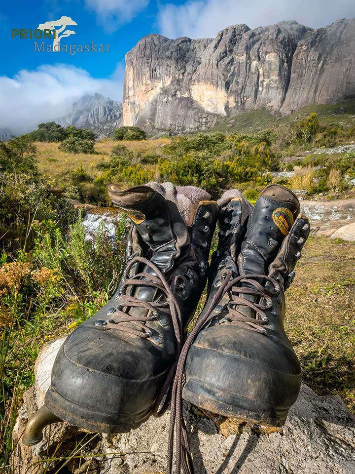 Madagaskar-Reisen-Ausrüstung-Schuhe-Wandern-PRIORI